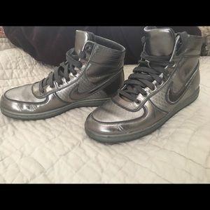 Nike Shoes - Metallic Nike Air Scandal